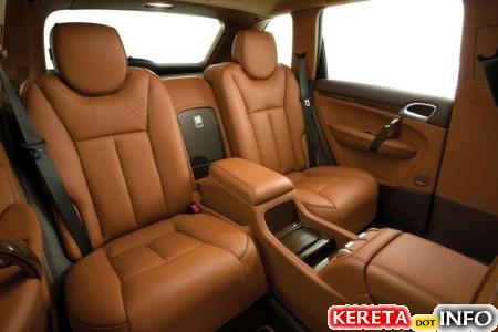 20070807-2008-porsche-cayenne-techart-magnum-6-interior-back-seats.jpg
