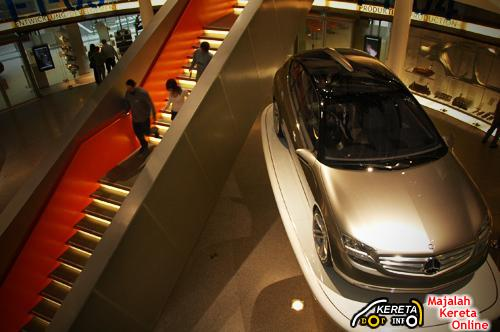 Mercedes benz museum stuttgart the largest automotive museum in the