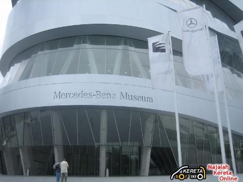 MERCEDES BENZ MUSEUM STUTTGART 4