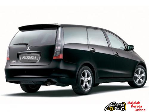 THE 7-SEATER MITSUBISHI GRANDIS