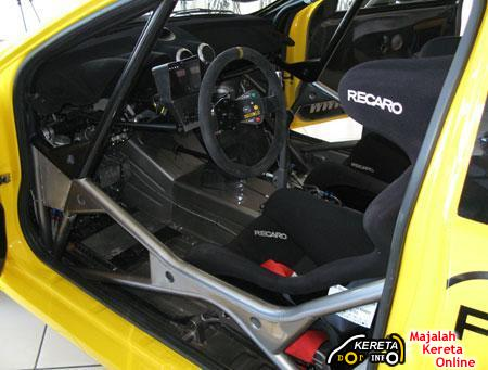 Satria Neo S2000 Rally car interior