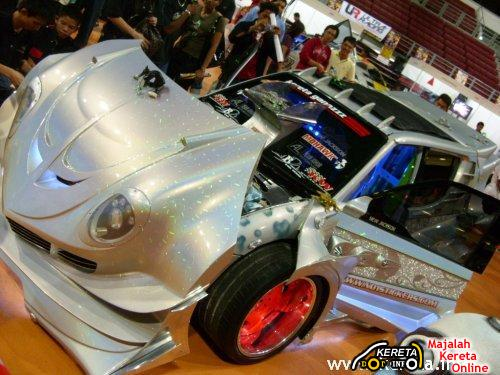 OH MY GOD! ITS A HEAVILY MODIFIED PERODUA KANCIL? WITH 6 WHEELS & REPLICA JET ENGINE!