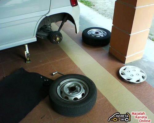 HOW TO REPAIR TYRES? CHANGING PUNCTURED - TYRE DO IT YOURSELF!