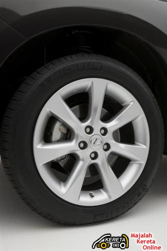 rx350 tyre