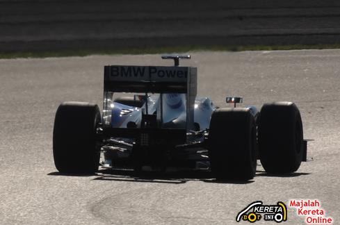 sauber test track rear