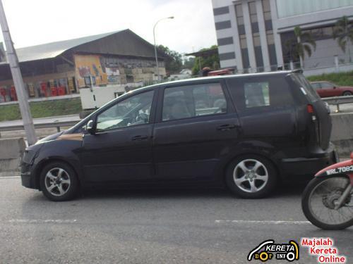 proton exora on the road malaysia mpv proton