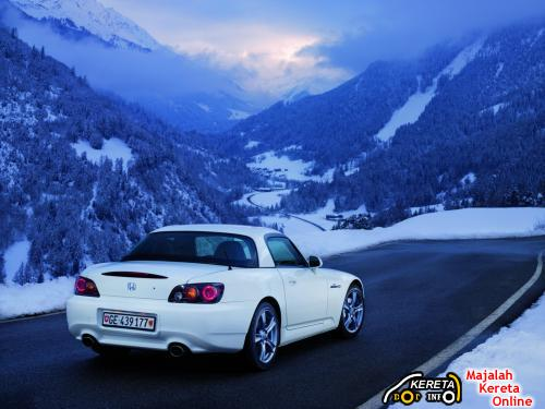 S2000 Rear view