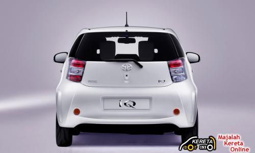 Toyota IQ Rear