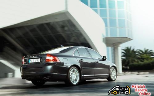 2010 Volvo S80 rear