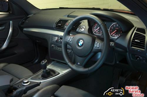 BMW 135i Coupe Dashboard
