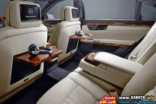 2010 Mercedes S-Class Rear Seats
