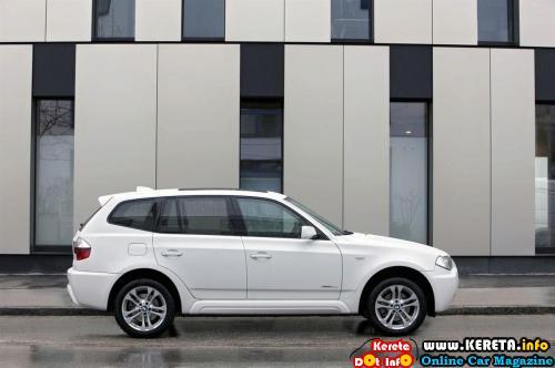 BMW X3 Xdrive18d Side