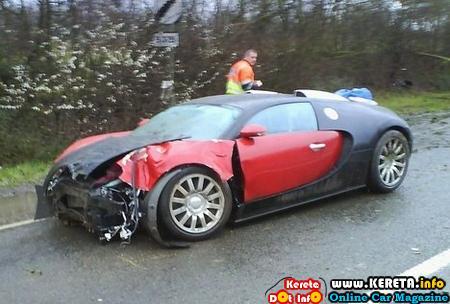 Sport Cars on Oh  Expensive Sports Car Accident Picture  Lamborghini   Bugatti