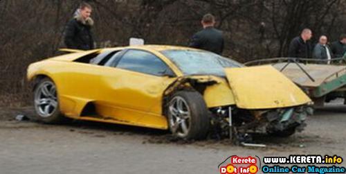 OH! EXPENSIVE SPORTS CAR ACCIDENT PICTURE. LAMBORGHINI & BUGATTI VEYRON