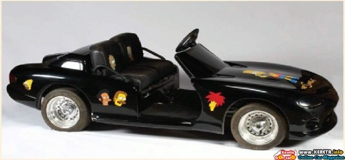 michael-jacksons-black-dodge-viper-mini-car-with-the-simpsons-decorations