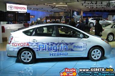 TOYOTA HYBRID CAR NEW PRIUS PLUG-IN