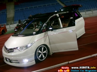 BEST LUXURY VIP STYLE MPV MODIFICATION 6 400x299