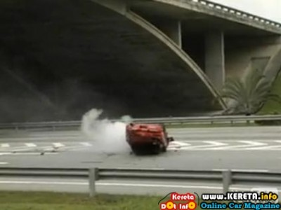 Evolusi KL Drift 2 RX7 crash 01 400x300