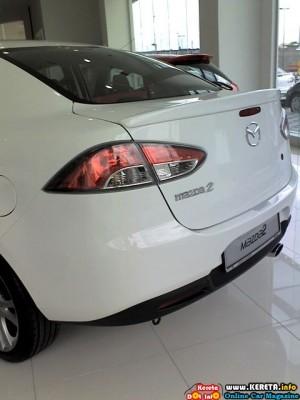 Mazda 2 Sedan Hatchback 2 300x400