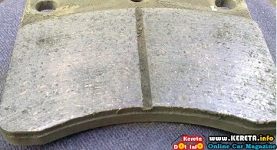 CHANGE YOUR BRAKE PADS! REPLACEMENT TIPS