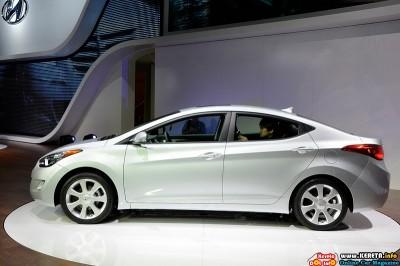2011 hyundai elantra la auto show side view 400x266