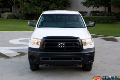 2011 toyota tundra work truck front view 400x266