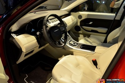 2012 land rover range rover evoque 5 door interior view 400x267