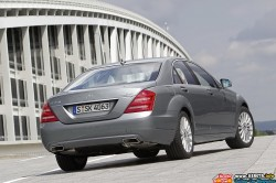 2012-mercedes-benz-s-350-bluetec-rear-angle-view