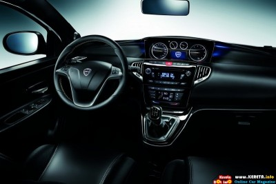 2012 lancia ypsilon dashboard view 400x267