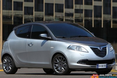 2012 lancia ypsilon front side view 400x267