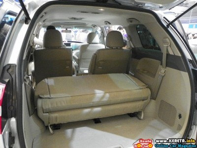 COPY OF TOYOTA ESTIMA / PREVIA? ITS CHINA'S BYD M6