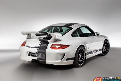 2011 magnat porsche 911 gt3 snowmobile rear angle view 400x269