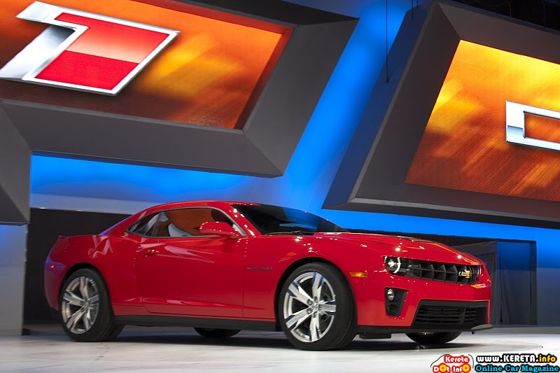 2012-chevrolet-camaro-zl1-front-side-view