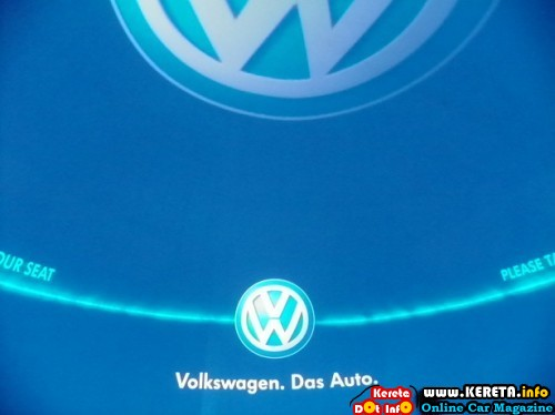 VW DAS AUTO SHOW - DOES NOTHING MUCH TO SHOW