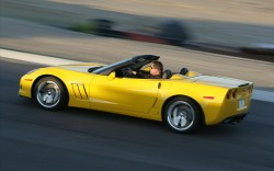 Chevrolet-Corvette-2012-widescreen-03