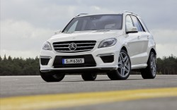 Mercedes-Benz-ML63-AMG-2012-widescreen-03