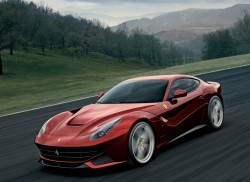 Ferrari-F12berlinetta_2013_800x600_wallpaper_01