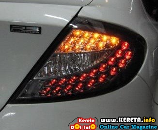 PERSONA GEN2 LED TAIL LAMP RM300 NEW
