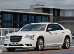 Chrysler-300C_2012_800x600_wallpaper_02