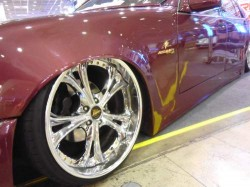 BIG WHEELS LOWERED CARS HELLA FLUSH SLAMMED DOWN RIDE WITH AIR - HYDRAULIC SUSPENSION (10)