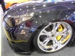 BIG WHEELS LOWERED CARS HELLA FLUSH SLAMMED DOWN RIDE WITH AIR - HYDRAULIC SUSPENSION (3)