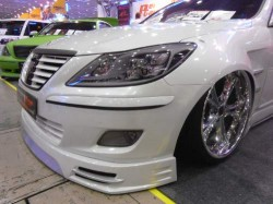 BIG WHEELS LOWERED CARS HELLA FLUSH SLAMMED DOWN RIDE WITH AIR - HYDRAULIC SUSPENSION (6)