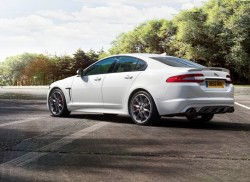 Jaguar-XFR_Speed_2013_800x600_wallpaper_03