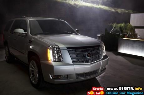 2013 Cadillac Escalade Static 5 1920x1440 460x302