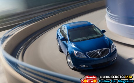 2013 Buick Verano Turbo front right view 3 460x287