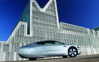 Volkswagen-XL1-2014-widescreen-03