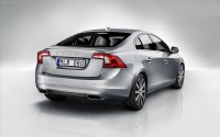 Volvo-S60-2014-widescreen-02