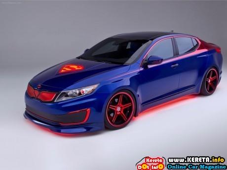 supermans-kia-optima-hybrid-2013-04